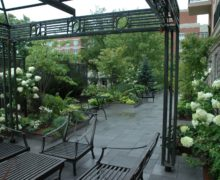 Сад на крыше дома: с системой ZinCo климат — не помеха