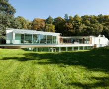 Живая крыша роскошного спа-центра в Великобритании