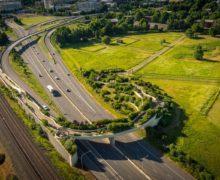 Интенсивное озеленение ландшафтного моста в США