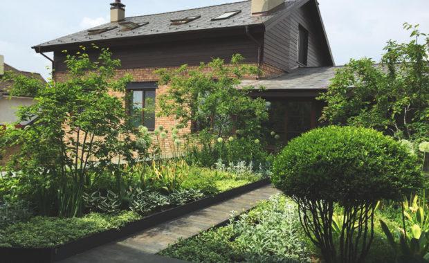 Сад на крыше гаража
