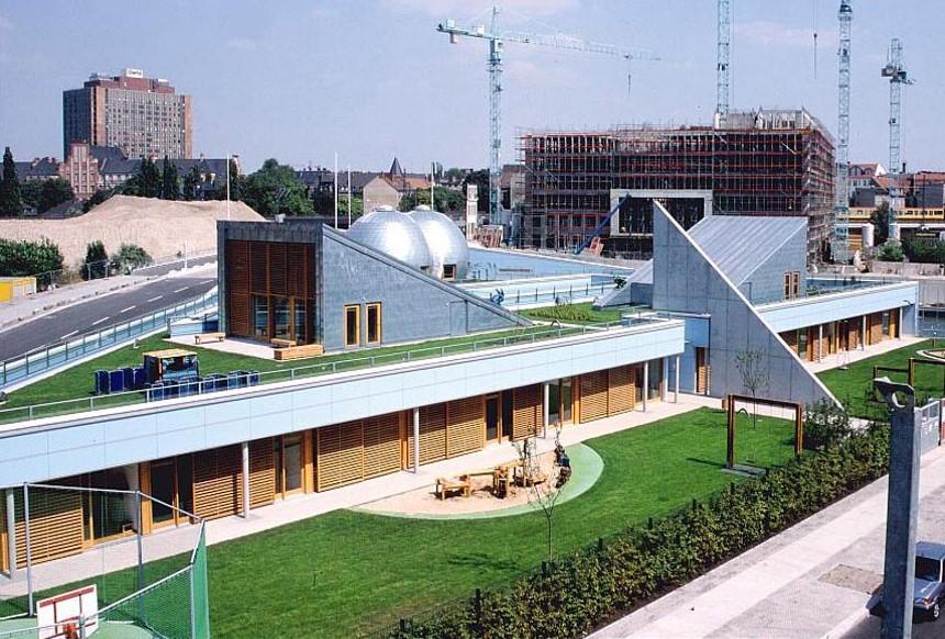 озеленение террасы у научного центра